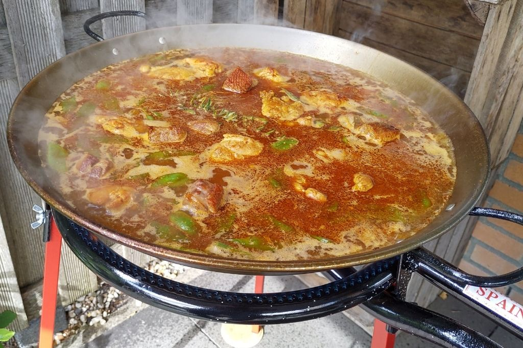 cocinar arroz de la paella